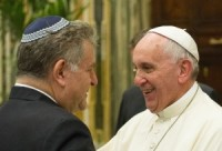 Pope says don't convert Jews